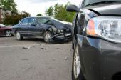 Unfall aufgrund Ablenkung durch Navi: Versicherer muss nicht immer zahlen