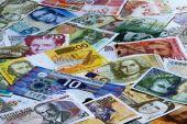 Leitzinssatz auf 0,05 Prozent gesenkt