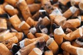 40 Millionen schwere Parodontitisfälle durch Zigarettenkonsum